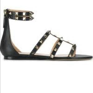 🔥🔥Authentic Valentino rockstud gladiator sandals